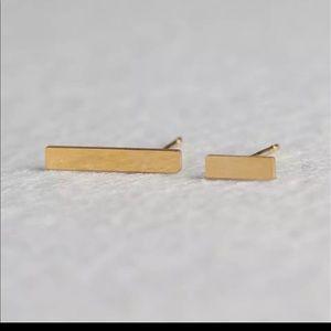 🌈 3/$45 🌈 🆕 Asymmetric gold bar studs